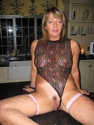 dabbler mature mom Bristols nude