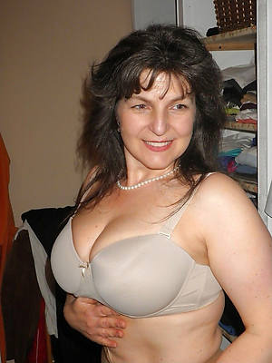 petite mature mom unexcelled nude pictures