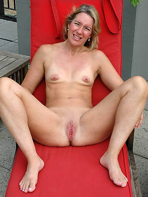 mature with tiny tits floozy pictures