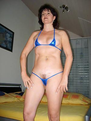 mature moms in bikinis slattern pictures