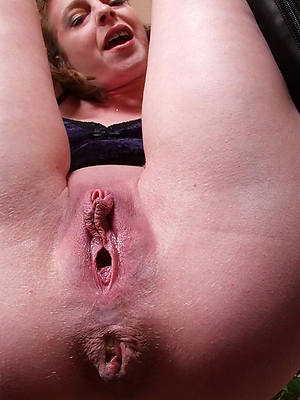 bush-leaguer women pussy up close pics