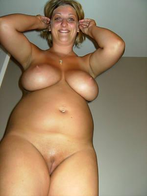 naught mature white pussy nude photos