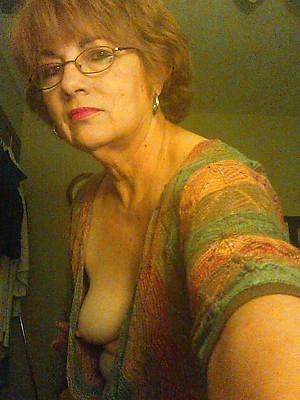 beautiful hot mature selfie homemade pics