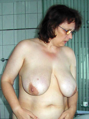 mature huge boobs perfect body