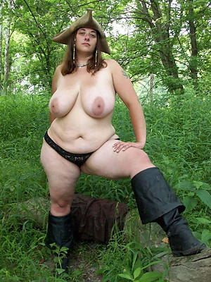 sexy hot chubby mature nude pics