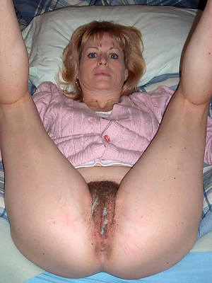 eating mature creampie naked porn pics