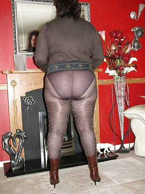 thorough mature pantyhose photos