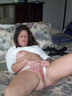 slutty clumsy mature shaved pussy photos