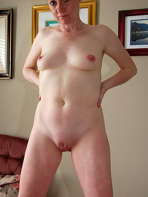 horny adult column shaved pussy and titties nude