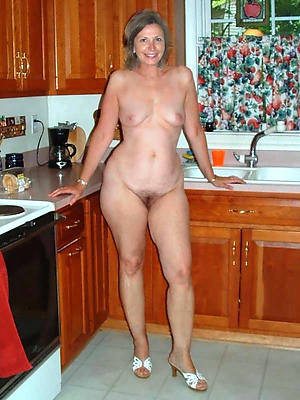 reality wild mature housewives porn pics