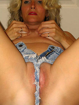 reality mature column in jeans porn photo