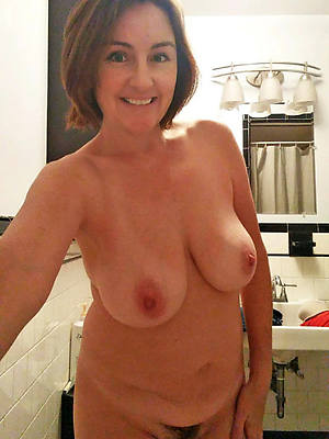mature pussy self shot and nice tits