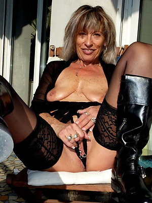 nude mature moms stripped