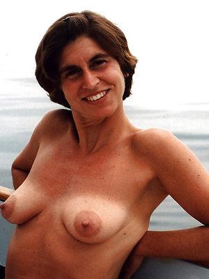 hotties mature nipples porn pictures