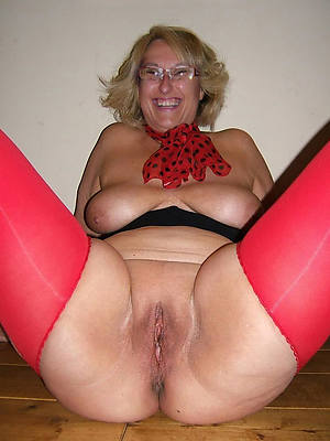 free porn pics of mature natural breasts