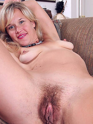 natural adult moms perfect body