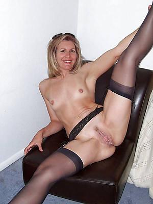 porn pics of amateur mature small tits
