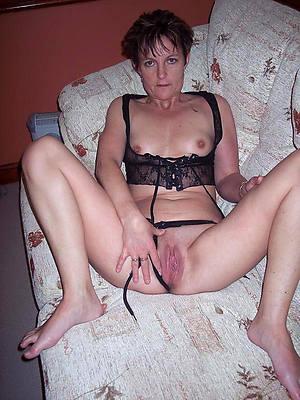 mature brunettes naked porn pics