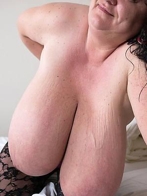 saggy boobs mature mom porn