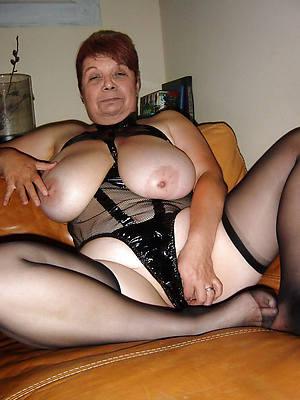 grandma nudes posing