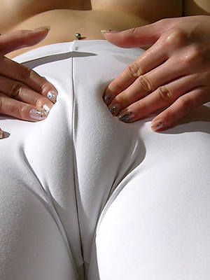 free porn pics for sexy mature cameltoe
