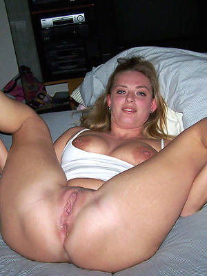 unorthodox xxx mature shaved nude pics