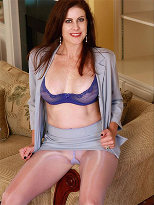 mature pantyhose legs dirty sex pics