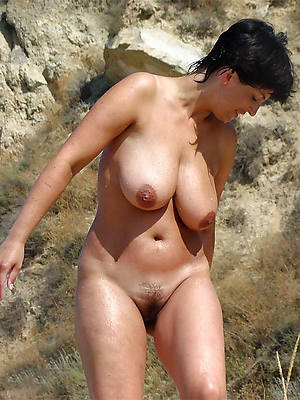mature beach babes mobile porn pictures