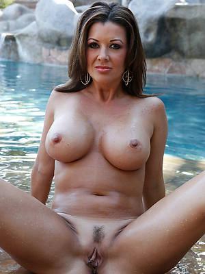 hotties big boob mature amateur pics