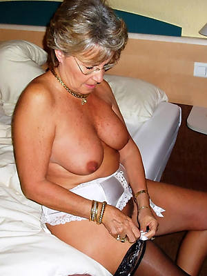 sexy classic mature posing nude