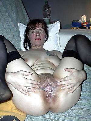 hotties wet of age pussy close up pics
