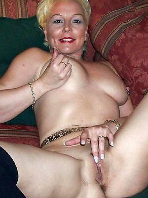 hot european matures stripped