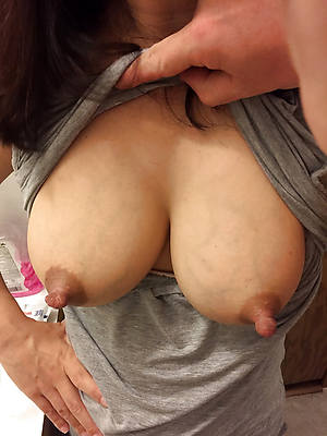 puffy nipples mature mom porn