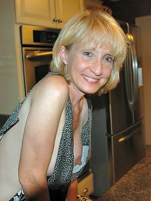 mature women nipples mobile porn pics