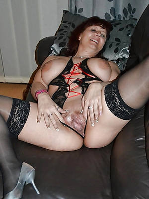 pornstar amateur mature moms pussy