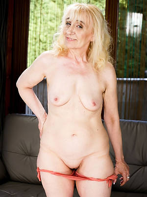 old grown-up women old pussy