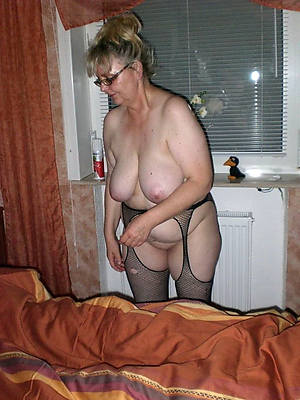 hotties mature grandma unembellished pics