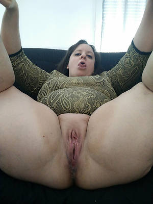sweet nude mature vulva pics
