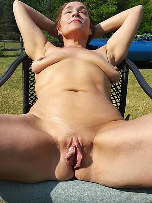 number one mature vulva pics