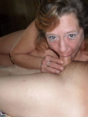 unclothed pics of sexy mature blowjobs