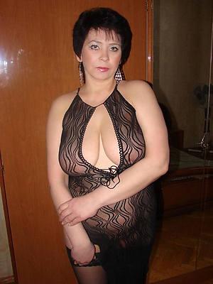 grown-up brunette woman beuty pussy