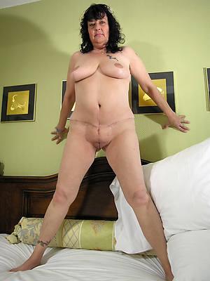 hot naked mature big tit murky porn pic