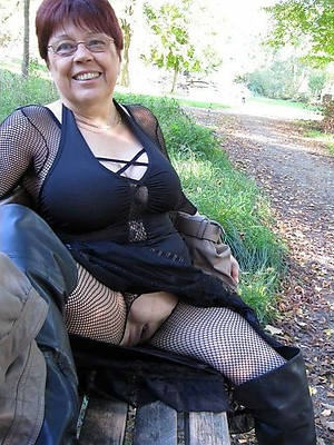 curvy old matured women nude pictures