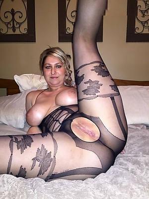 mature horny moms big pussies