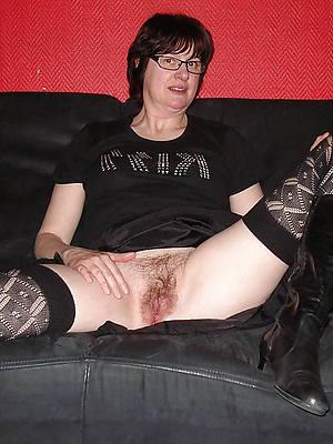 naked pics of mature unilluminated moms
