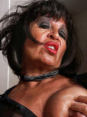 free amature sheer hair brunette mature porn pics