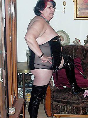 free amature sexy grandma nude pics