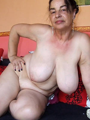 essential sexy grandma pics