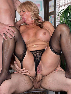 hot fucking mature bi threesome