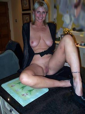 amateur revealed ladies porno pictures